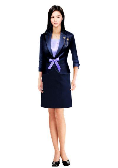 定制时尚女西服