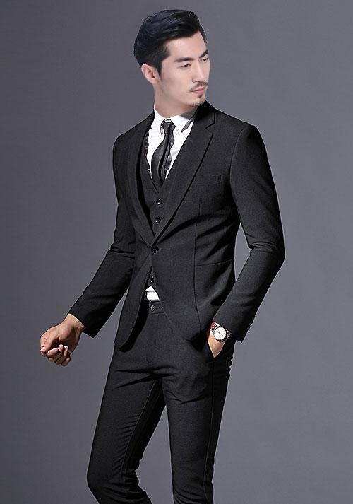 身材瘦小怎么搭配定制西装才能显高